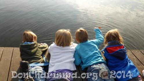 girl-boy-socialising-pb-516341-DonCharisma.org-1024LE